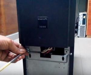 thay acquy ups apc smart ups 3000 3kva 4